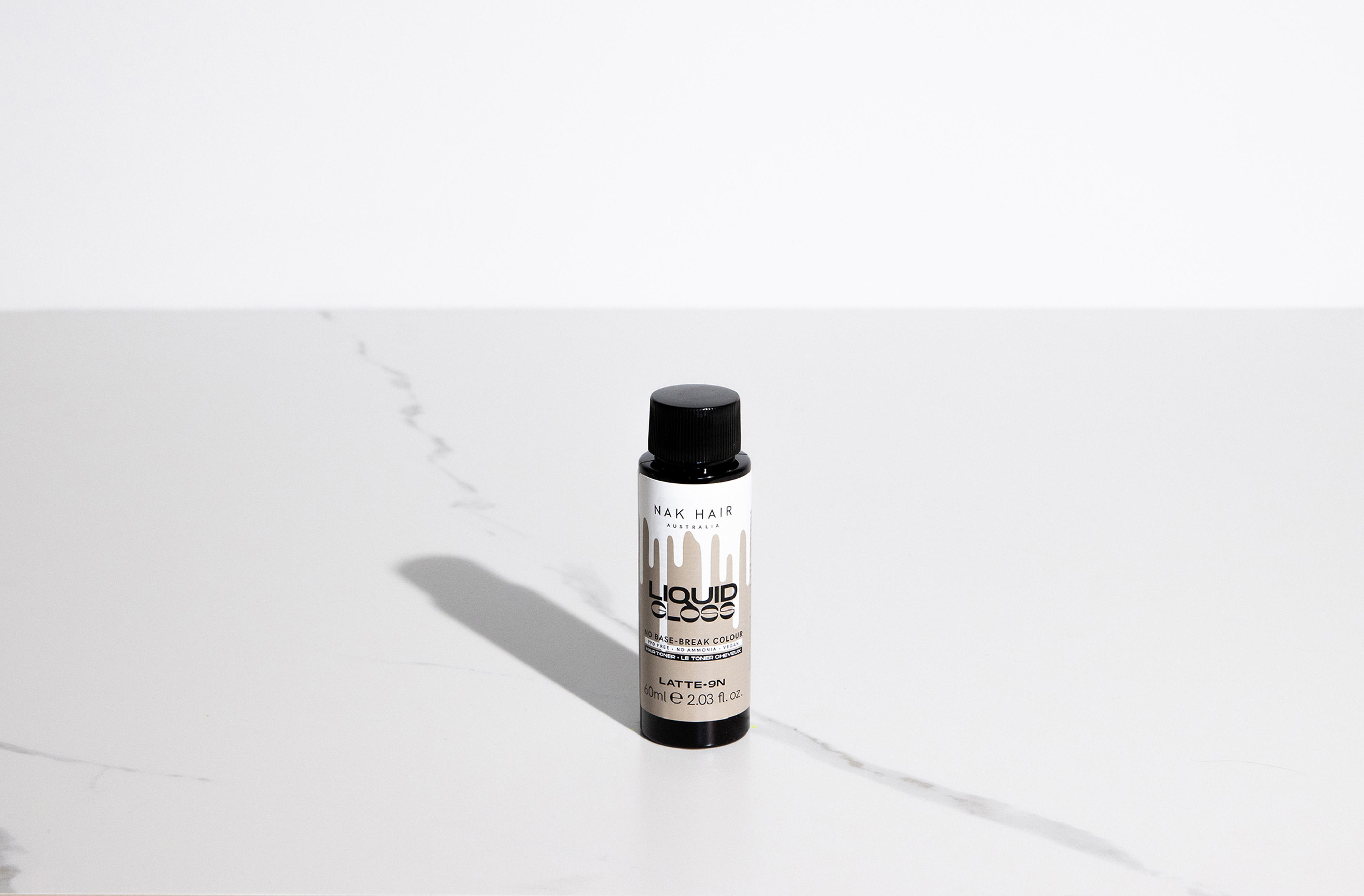 NAK Liquid Gloss Latte 60ml